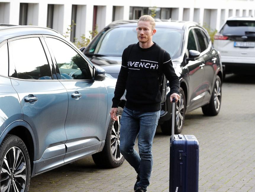 Florian Kainz kommt am Geißbockheim an.