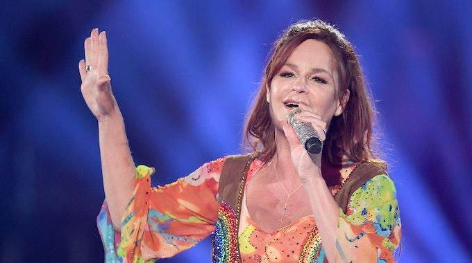 """Andrea Berg steht bei der Show """"Schlagerchampions – Das große Fest der Besten"""" im Januar 2020 auf der Bühne."""