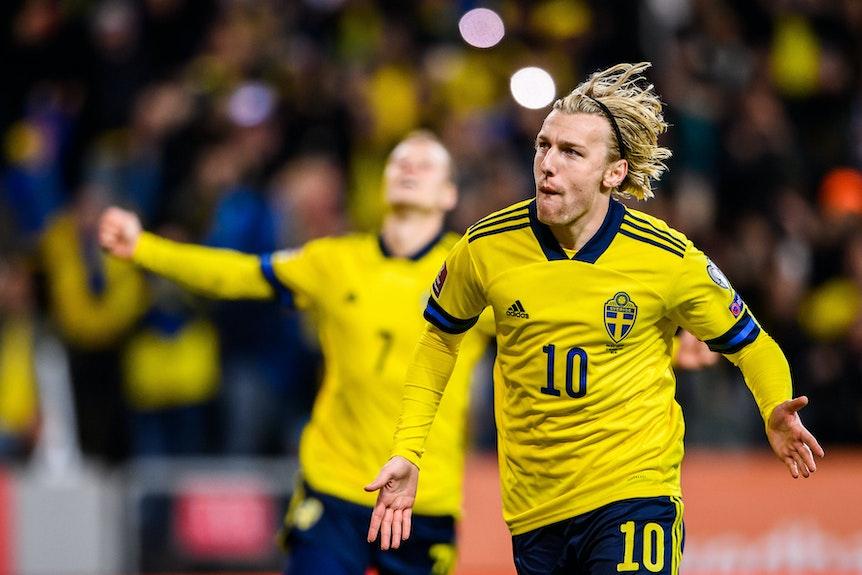 Emil Forsberg feiert sein 1:0 gegen Griechenland.