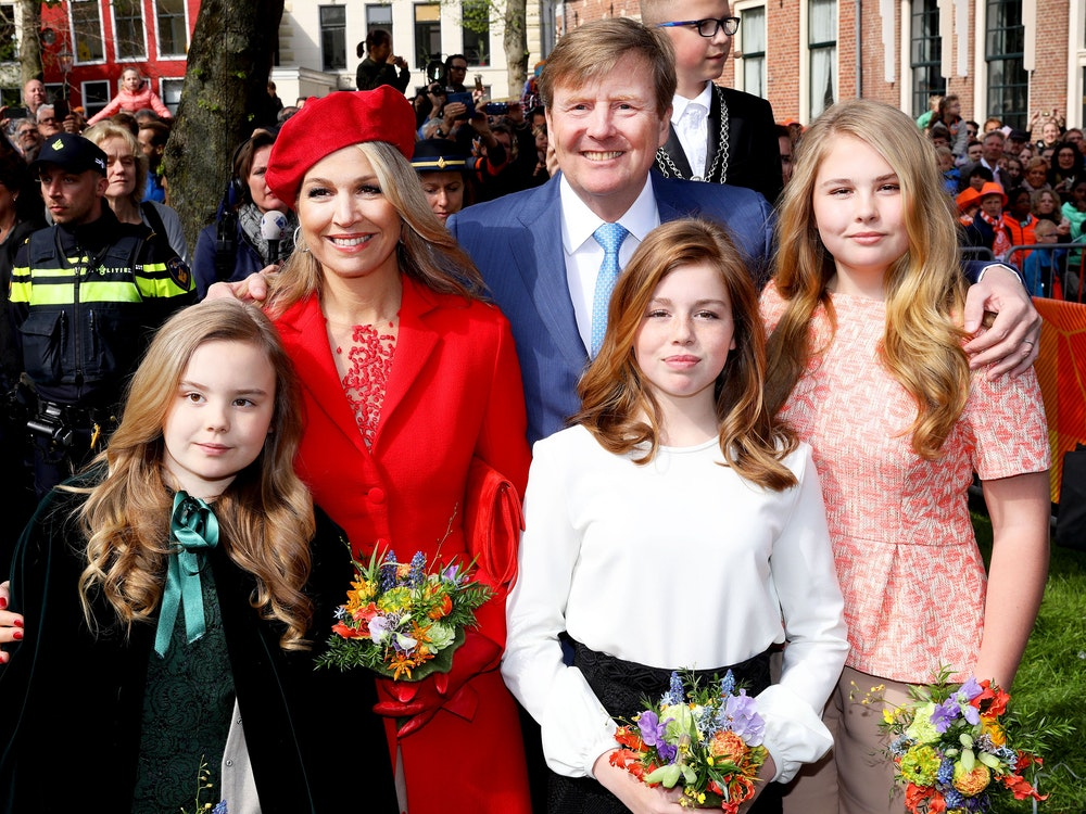 The Dutch government has made it clear that same-sex marriage rights also apply to the heir to the throne.