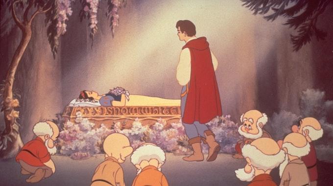 """Eine Szene aus Disneys erstem Zeichentrickfilm """"Schneewittchen und die sieben Zwerge"""" von 1937. Ruthie Tompson wirkte als Disney-Animateurin Tag und Nacht an diesem Film mit, der bis an ihr Lebensende ihr Lieblingsfilm blieb."""