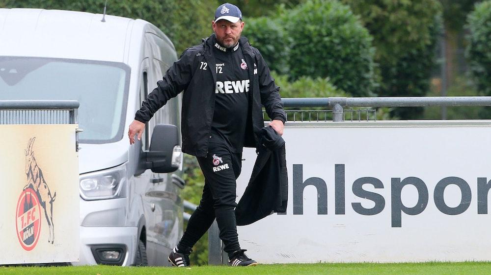 Steffen Baumgart kommt zum Training des 1. FC Köln.