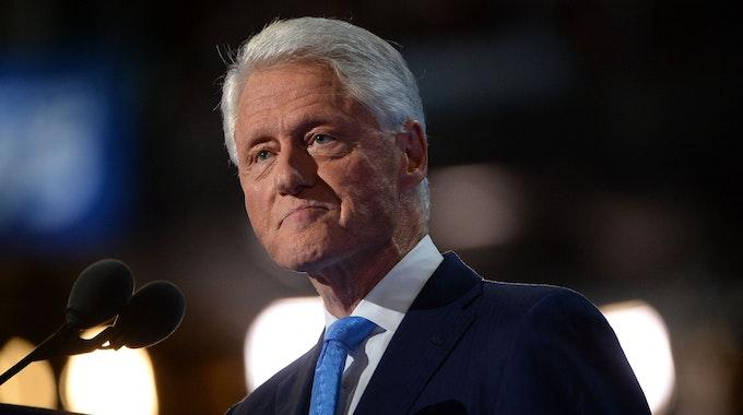 Der ehemalige US-Präsident Bill Clinton, hier ein Foto vom 26. Juli 2016, liegt derzeit in einer US-Klinik auf der Intensivstation.