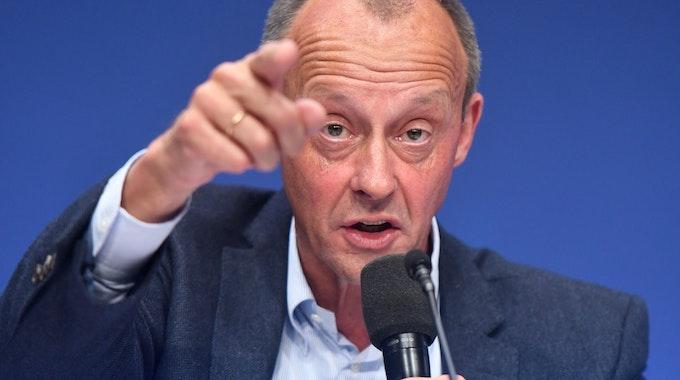 Der CDU-Bundestagsabgeordnete Friedrich Merz spricht am 15. Oktober 2021 beim Deutschlandtag der Jungen Union.