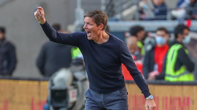 Eintracht Frankfurt-Trainer Oliver Glasner tobt am Seitenrand
