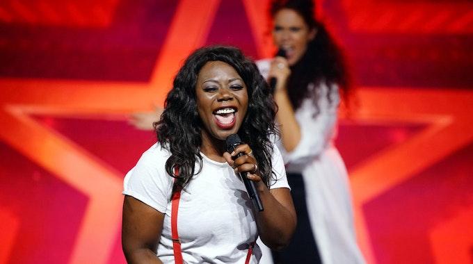 "Marie Enganemben und der Gospel-Chor Na' Mouléma aus Köln performt beim ""Supertalent"" am 16. Oktober 2021."