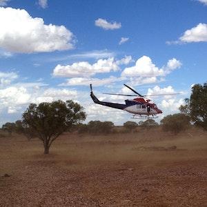 Unser Symbolfoto von Februar 2013 zeigt einen Rettungshubschrauber, der im Queensland Outback abhebt.