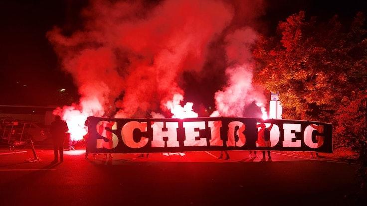 Fani i gracze Kolonii zgadzają się na derby Koelner Hey vs Düsseldorfer AG.  a