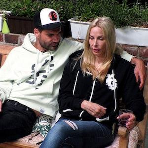 Michelle Monballijn hat genug von den Verhaltensregeln ihres beitzergreifenden Mannes Mike.
