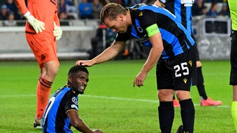 Hat weh getan: Mata und Vormer verarbeiten das 1:5 gegen Manchester City