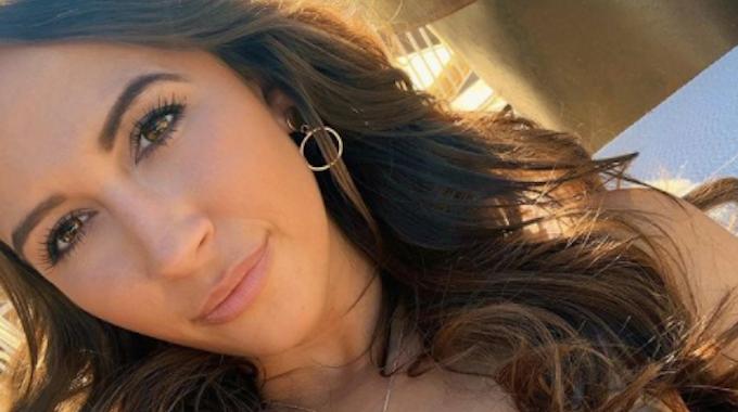 """""""First Dates""""-Kellnerin Mariella D'Auria lächelt auf einem Instagram-Foto vom 25. Mai 2020."""
