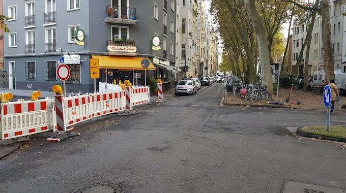 Einsatz des Ordnungsamts auf der Mainzer Straße in der Kölner Südstadt.