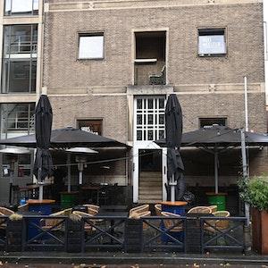 Das geschlossene Lokal De Huismeester in Rotterdam, wo die Delegation von Union Berlin angegriffen wurde.