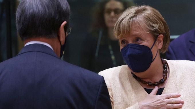 Angela Merkel (hier am 21. Oktober 2021 im EU-Parlament in Brüssel) wurde von Barack Obama überrascht.