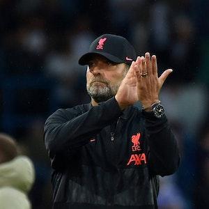 Jürgen Klopp klatscht nach einem Spiel des FC Liverpool in die Hände.