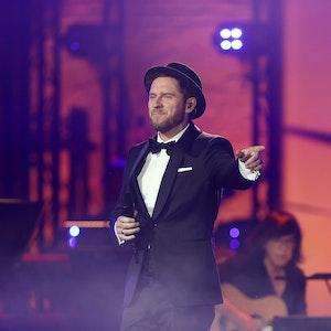 """Juror Johannes Oerding, hier bei der Verleihung des Deutschen Radiopreises 2021, hat es bei """"The Voice"""" nicht leicht."""