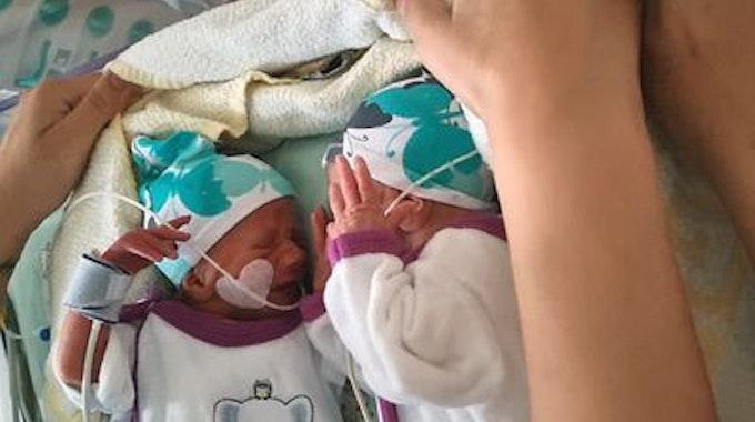 So klein und schon so viel Drama. Die Geburt der Wollny-Zwillinge Casey und Emory im Mai war um einiges dramatischer, als bisher bekannt.