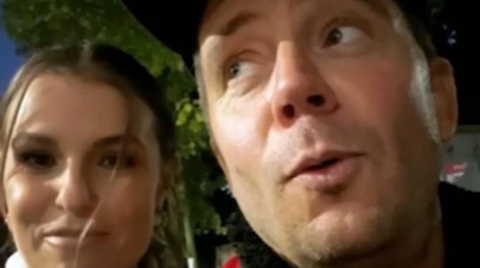 Lorenz Büffel und Laura Wontorra im Video von Büffels Instagram-Story (24. Oktober 2021)