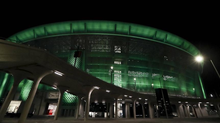 Die Puskas-Arena in Budapest wurde beim Achtelfinal-Hinspiel zwischen Gladbach und Manchester City grün beleuchtet.