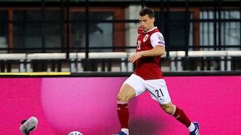 Gladbachs Stefan Lainer mit dem Ball am Fuß im Spiel des österreichischen Nationalteams gegen die Färöer Inseln am 28. März 2021 in Wien.
