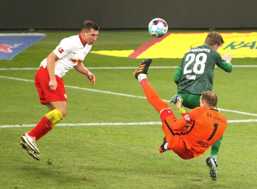 Zwei Ungarn, ein Ziel: Willi Orban und RB-Keeper Peter Gulacsi