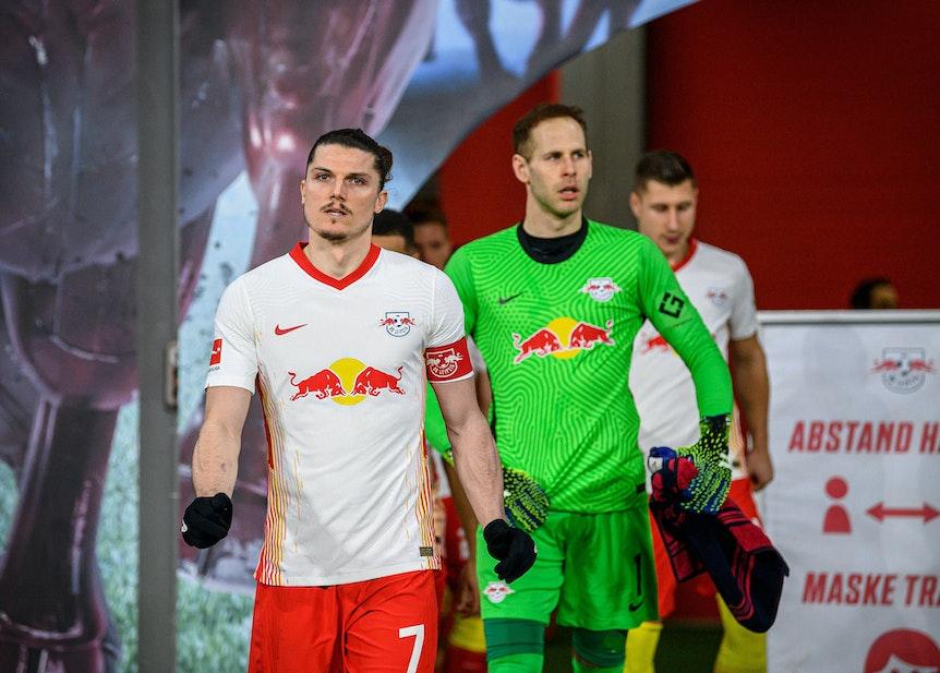 """""""Fußball ist ein Business, da kannst du heute das eine sagen und morgen passiert was ganz anderes"""": Marcel Sabitzer und Peter Gulacsi."""