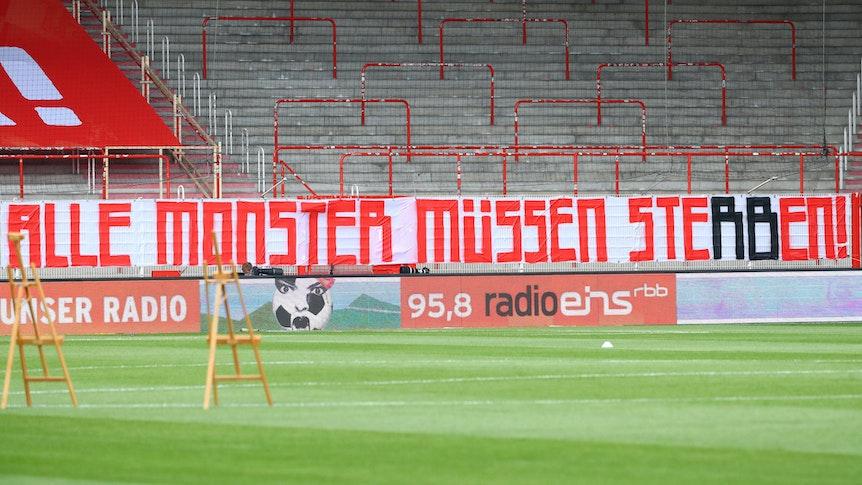 """Ablehnung mit Tradition: Die Union-Fans mögen das """"Monster"""" RB Leipzig nicht."""