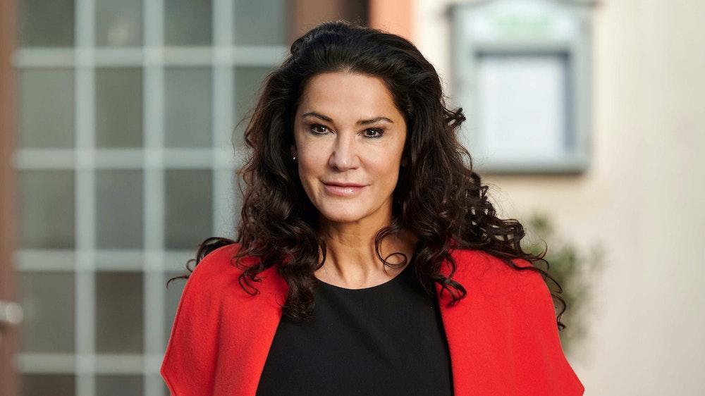 Schauspielerin Mariella Ahrens nahm Stellung zu Gerüchten, nach denen sie ein Jahresgehalt von 70 Millionen Euro haben soll.