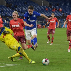 Mark Uth, Timo Horn und Sebastiaan Bornauw bei FC Schalke 04 gegen 1. FC Köln
