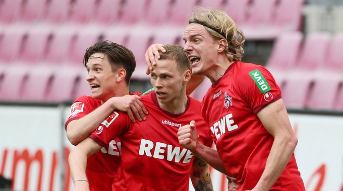 Sebastiaan Bornauw trifft am 22. Mai 2021 gegen den FC Schalke 04 zum 1:0-Sieg für den 1. FC Köln.