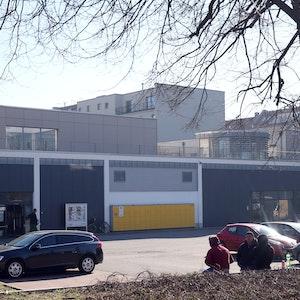 Der Discounter Lidl ruft derzeit einige seiner Fix-Produkte zurück, da beim Verzehr eine Bleivergiftung drohen könnte. Das Symbolfoto zeigt eine Lidl Filiale im Februar 2019 in Berlin.