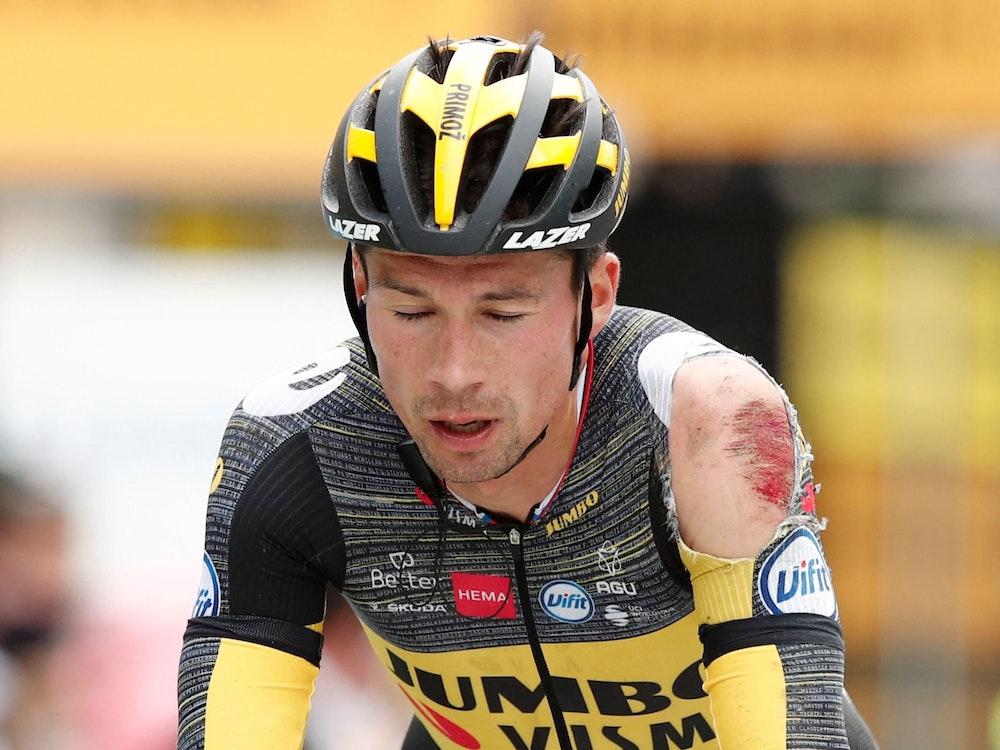 Der verletzte Radfahrer Primoz Roglic auf der dritten Etappe der Tour de France
