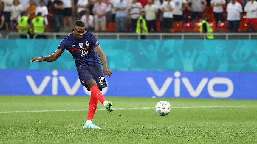 Gladbach-Stürmer Marcus Thuram trat am Montagabend (29. Juni 2021) im EM-Achtelfinale in Bukarest einen Elfmeter für die Französische Nationalmannschaft gegen die Schweiz.