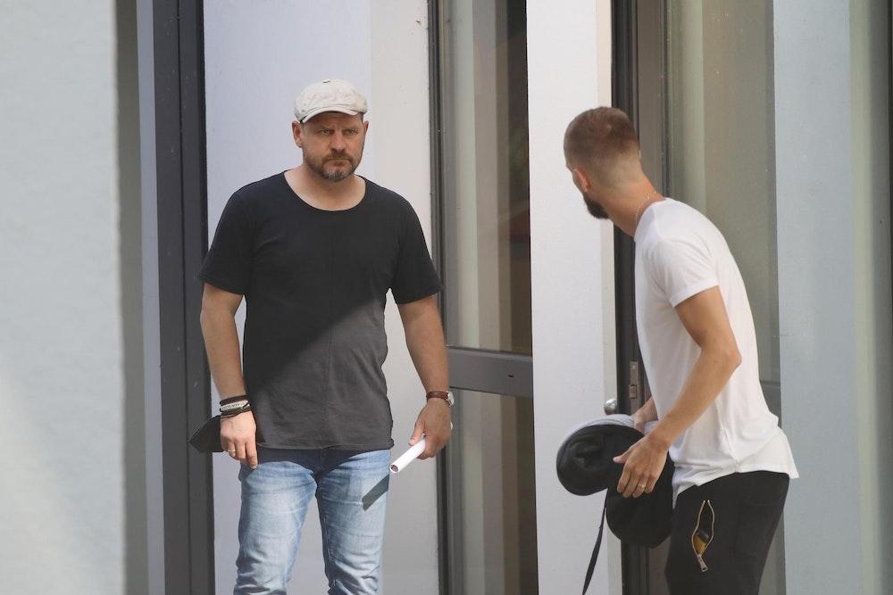 Steffen Baumgart und Dominick Drexler vom 1. FC Köln treffen sich am Geißbockheim.