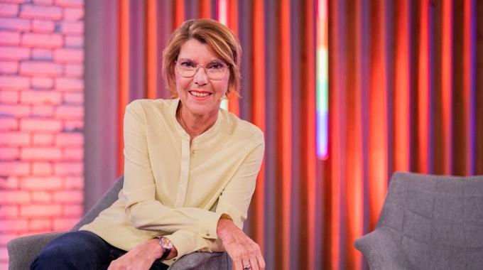 WDR-Moderatorin Bettina Böttinger bei der Aufzeichnung einer Show im Juli 2021.