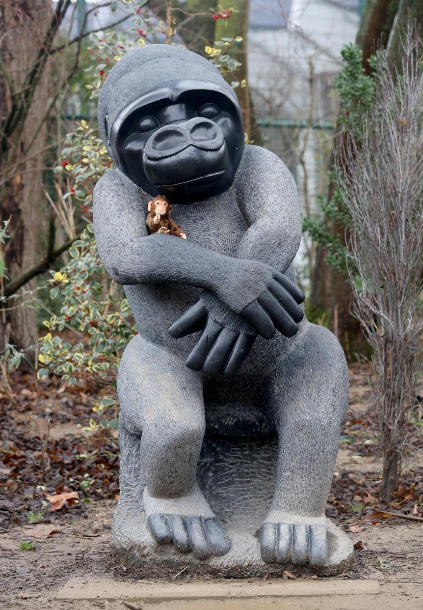 Statue_Affen_KrefelderZoo