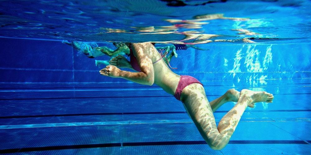Schwimmbad-Frau-Symbol-Wasser