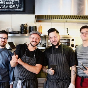 "Köln-Nippes: Das Team des Burger-Restaurants ""Hornochse"""