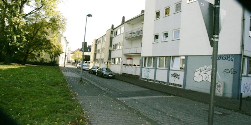 Auf der Deutz-Mülheimer Straße Ecke Bachstraße wurde Aldin K. in den Wagen gezerrt.