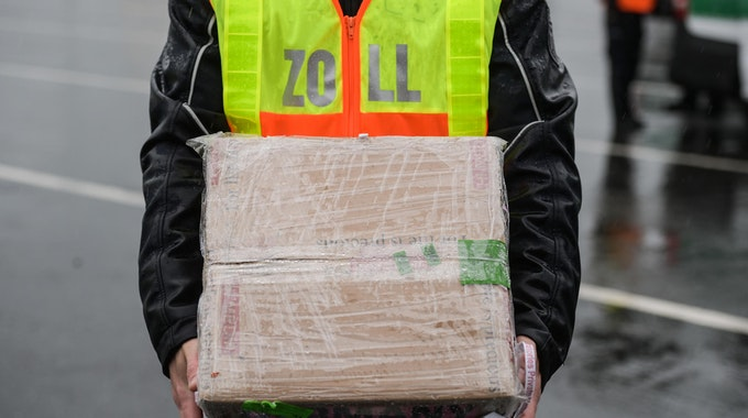 zoll paket