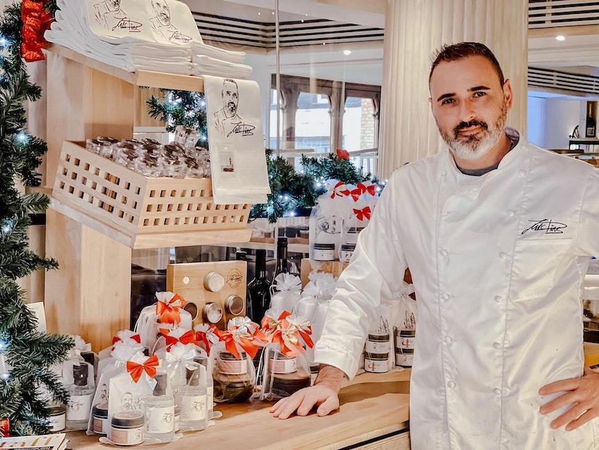 Luis Dias in seinem gleichnamigen Restaurant in Köln.