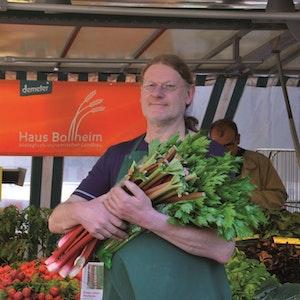 Bernd Galow steht mittlerweile schon 18 Jahre für Haus Bollheim auf dem Markt.