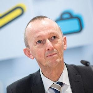 Johann Vanneste bei einer Pressekonferenz