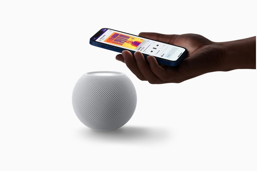 Statt auf den großen HomePod will sich Apple nun auf den kleineren HomePod mini konzentrieren.