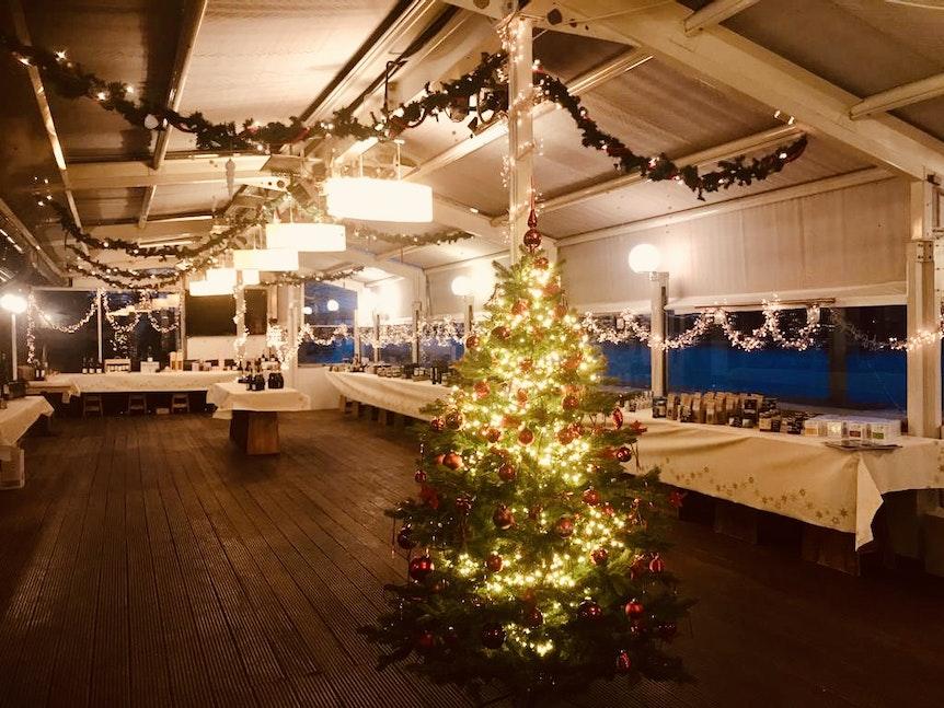 Weihnachtsbasar im Fährhaus in Rodenkirchen.