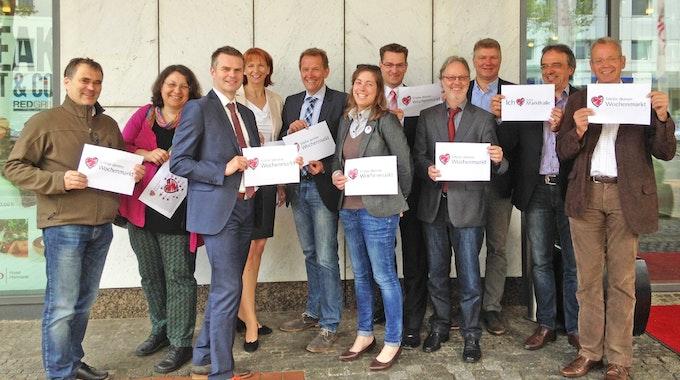 """Offizieller Launch der Kampagne """"Erlebe deinen Markt"""" am 5. Mai 2015 in Hannover mit Vertretern aus Berlin, Bremen, Dortmund, Duisburg, Essen, Hamburg, Hannover, Köln, München und Rostock."""