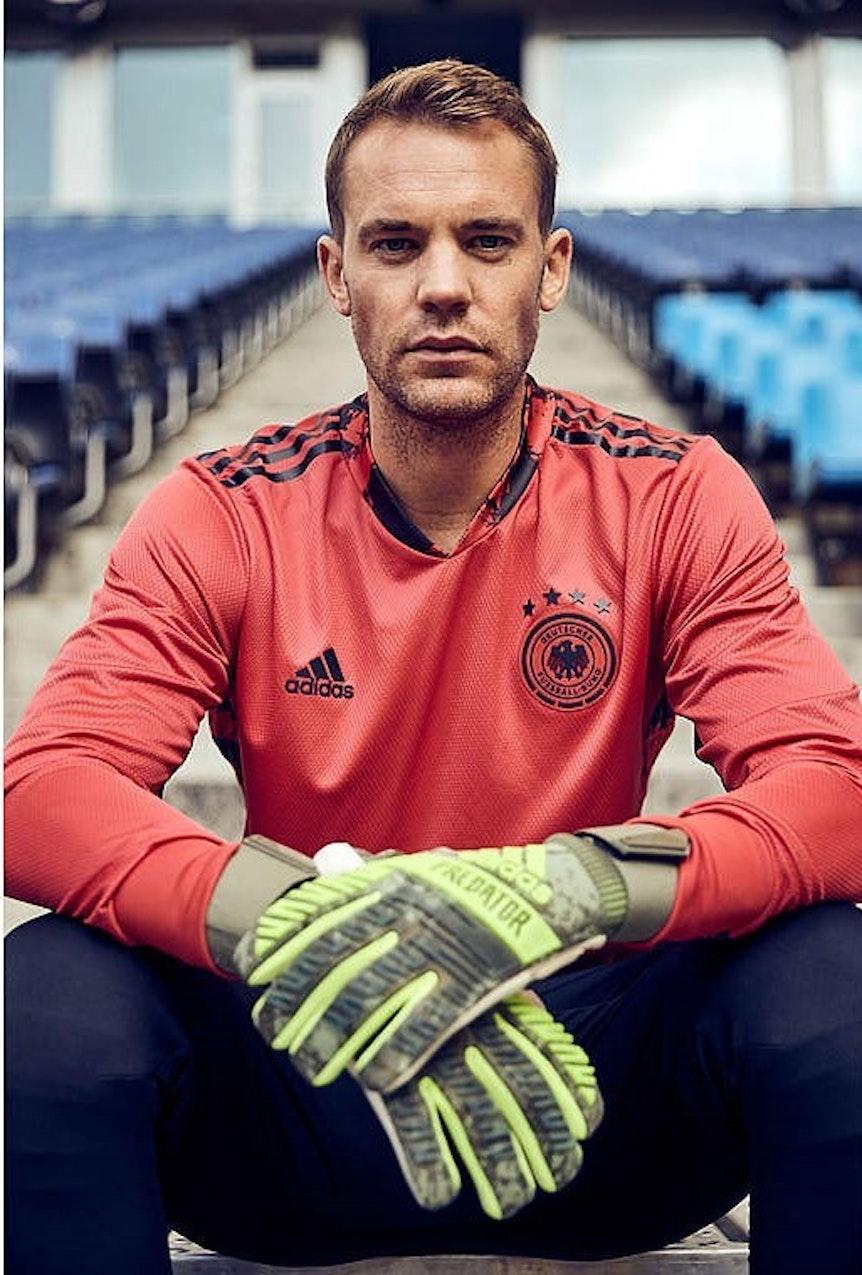 Manuel_Neuer_DFB_Trikot_2
