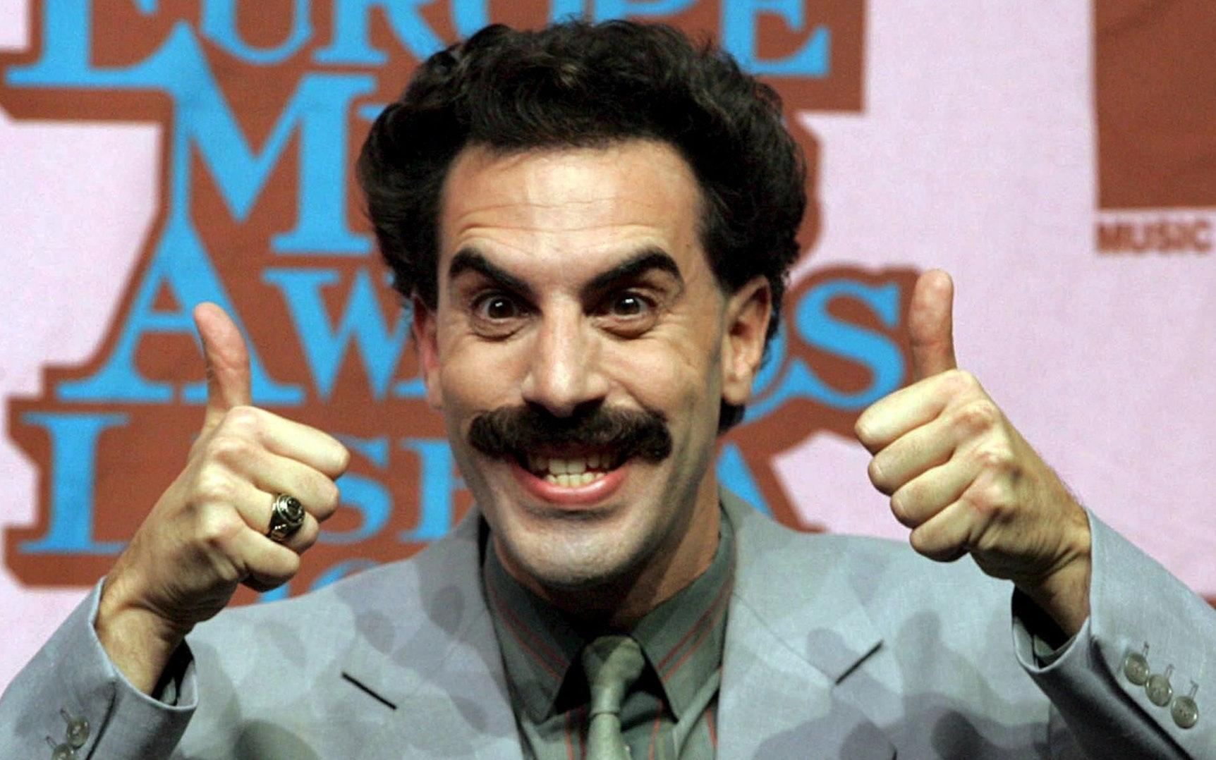 Borat: Nackte Puppe mit Maske auf dem Penis in London