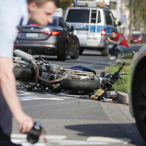 Biker in Ehrenfeld schwer verletzt