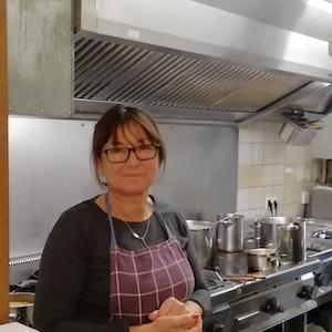 Iva Markota in der Küche des Birkenhof in Köln.